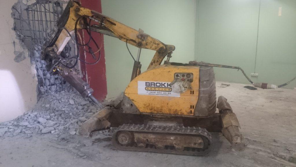 Демонтажные работы объекта капитального строительства с применением роботизированной техники Brokk