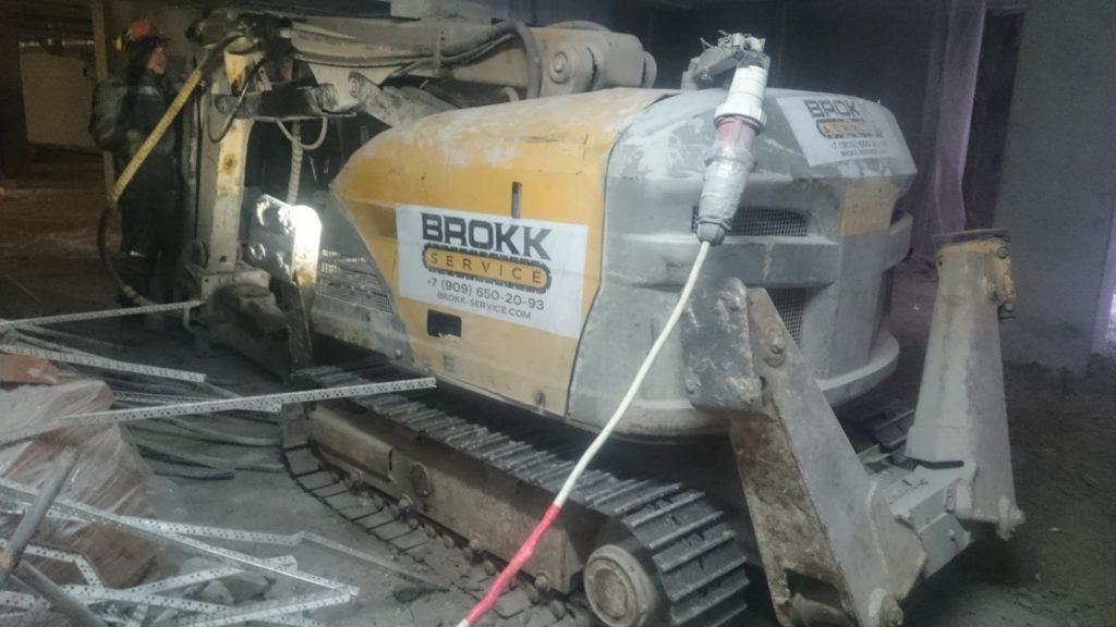 Управление роботом-разрушителем Brokk от компании Брокк Сервис для проведения демонтажа любой сложности