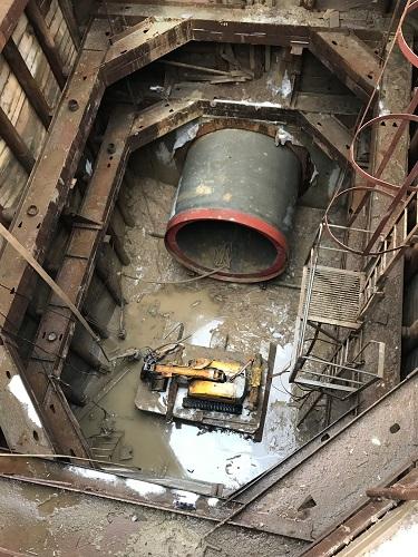 Манёвренный и высокоточный робот Brokk в условиях ограниченного пространства при демонтаже коллектора
