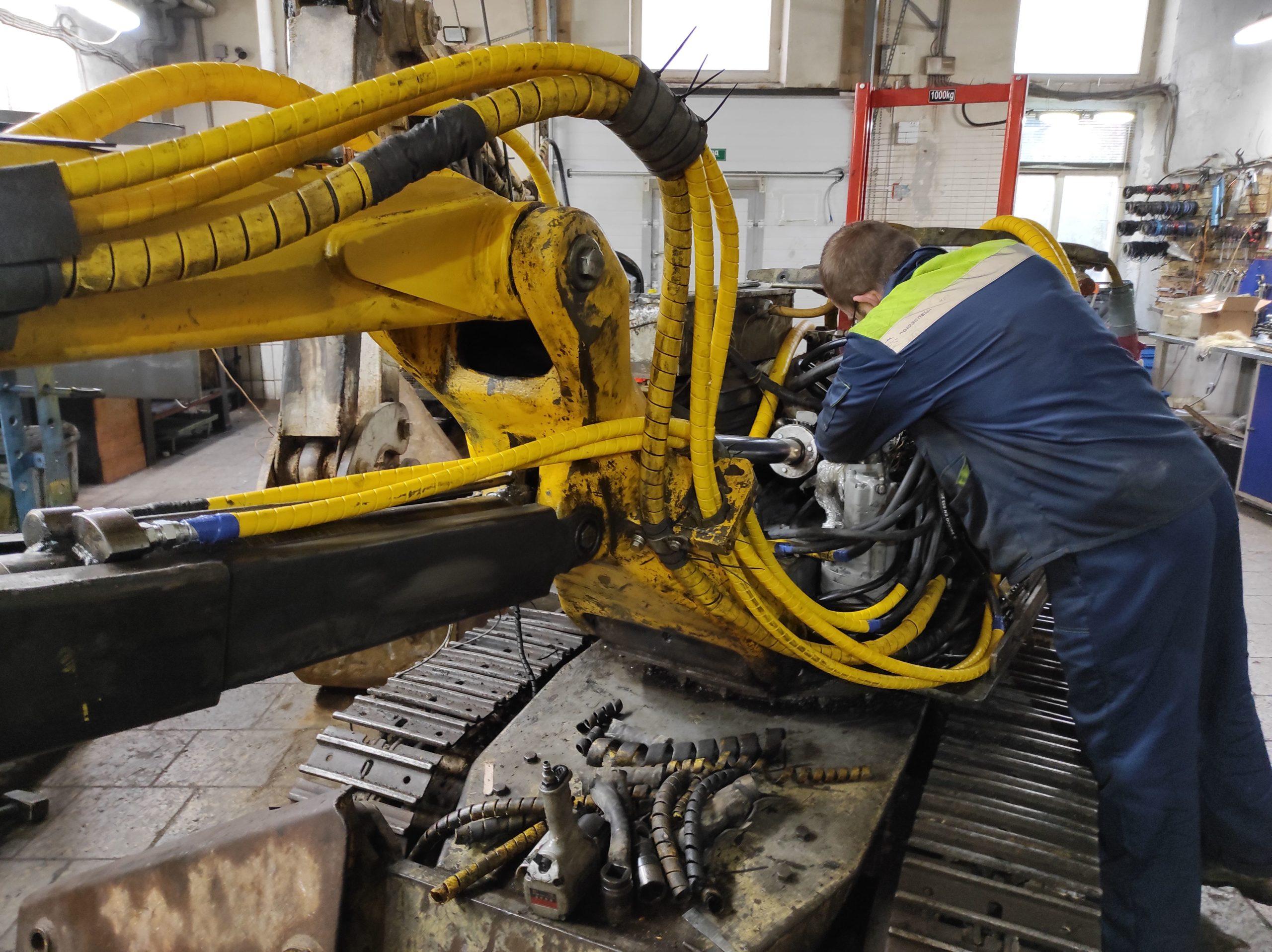 Ремонт демонтажного робота Brokk